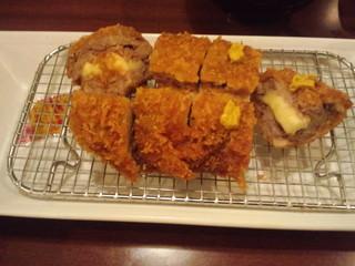 赤城おろし豚精肉店 - まるかつレディース(チーズ)¥1010
