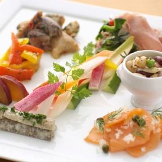 オリーブオイルから野菜まで「上質」にこだわった本格地中海料理
