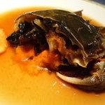 上海美味小屋 - 上海蟹の紹興酒漬けのアップ☆鮮やかな橙色がミソで、黒いのが卵♪