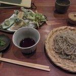 7386154 - 春野菜の天ぷらと十割もり蕎麦