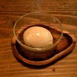 スタンディングワインバー アワ - 煮玉子(100円)