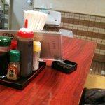 だるま屋 - 8人がけのテーブル