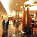 浜松四川飯店 - ゆったりとした店内で素敵な時間が過ごせます。