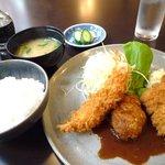 三好乃 - Aランチ 海老フライ+ハンバーグ+とんかつ 880円