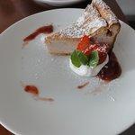 soin cafe - 苺のシフォンチーズケーキ
