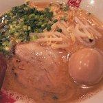 凪 - 豚骨麺+味玉