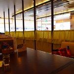 アーチ カフェ - ワンコ連れ用の席と一般席が分かれてます♪