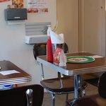 レッグオンダイナー - テーブル席