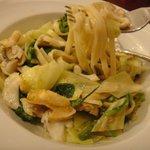 ナポリ料理のお店 バンビーノ - バイ貝と春野菜のパスタ