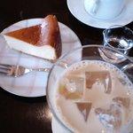 ヤマガラコーヒー - 美味しいコーヒーとチーズケーキ