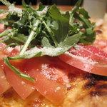 ピッツァ・カルミネ - オリジナル Pizza Carmine フレッシュトマトとルッコラ