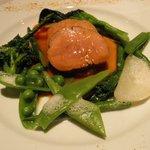 ラ・フィーユ - 豚フィレ肉のロースト、根セロリのピューレと春野菜、カレー風味