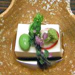 魚登久 - 胡麻豆腐(宴会)