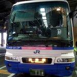 松岡 - 朝の6時50分初の高松行きのバスです。 朝一番のバスなんですよ。 今回は、桜橋口からJRバスで行きます。