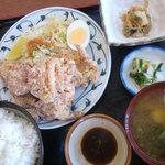 ごはん職人六兵衛 - 鳥から揚げ定食 660円
