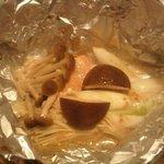 金太郎 - 鮭のホイル焼も椎茸で見えない