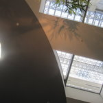 グランジュール - 天井、自然光が降り注いできます、、、
