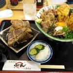 三ツ島 真打 - ビッシバシ スタミナ醤油 & 豚角煮 中華ちまき