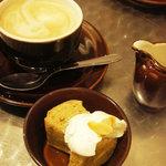 ドラゴンフライ カフェ - デザートと珈琲