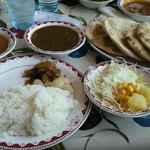 インドや  - 自分で盛りつけた料理