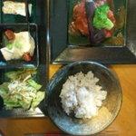 Y字路 - お昼900円