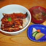 魚登久 - Aセット3,160円 肝焼、果物付