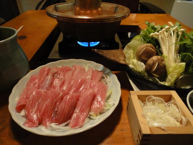 https://tabelog.ssl.k-img.com/restaurant/images/Rvw/7717/640x640_rect_7717946.jpg