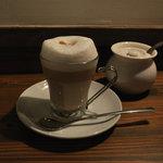 いるか喫茶バー - カプチーノマッキアート(400円)