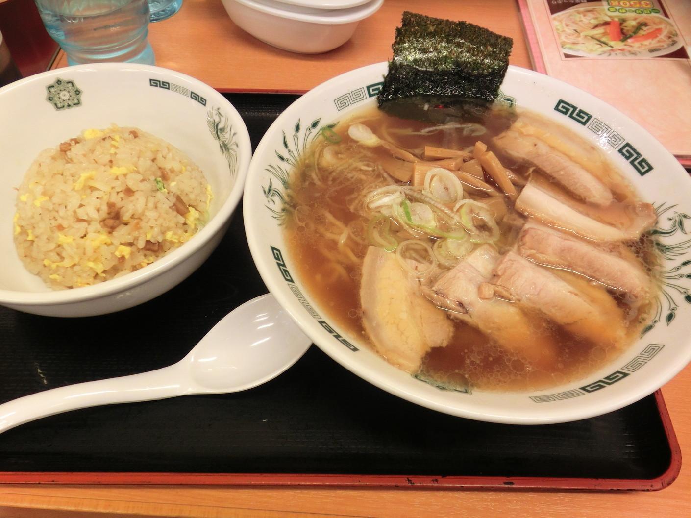 日高屋 小田急マルシェ登戸店