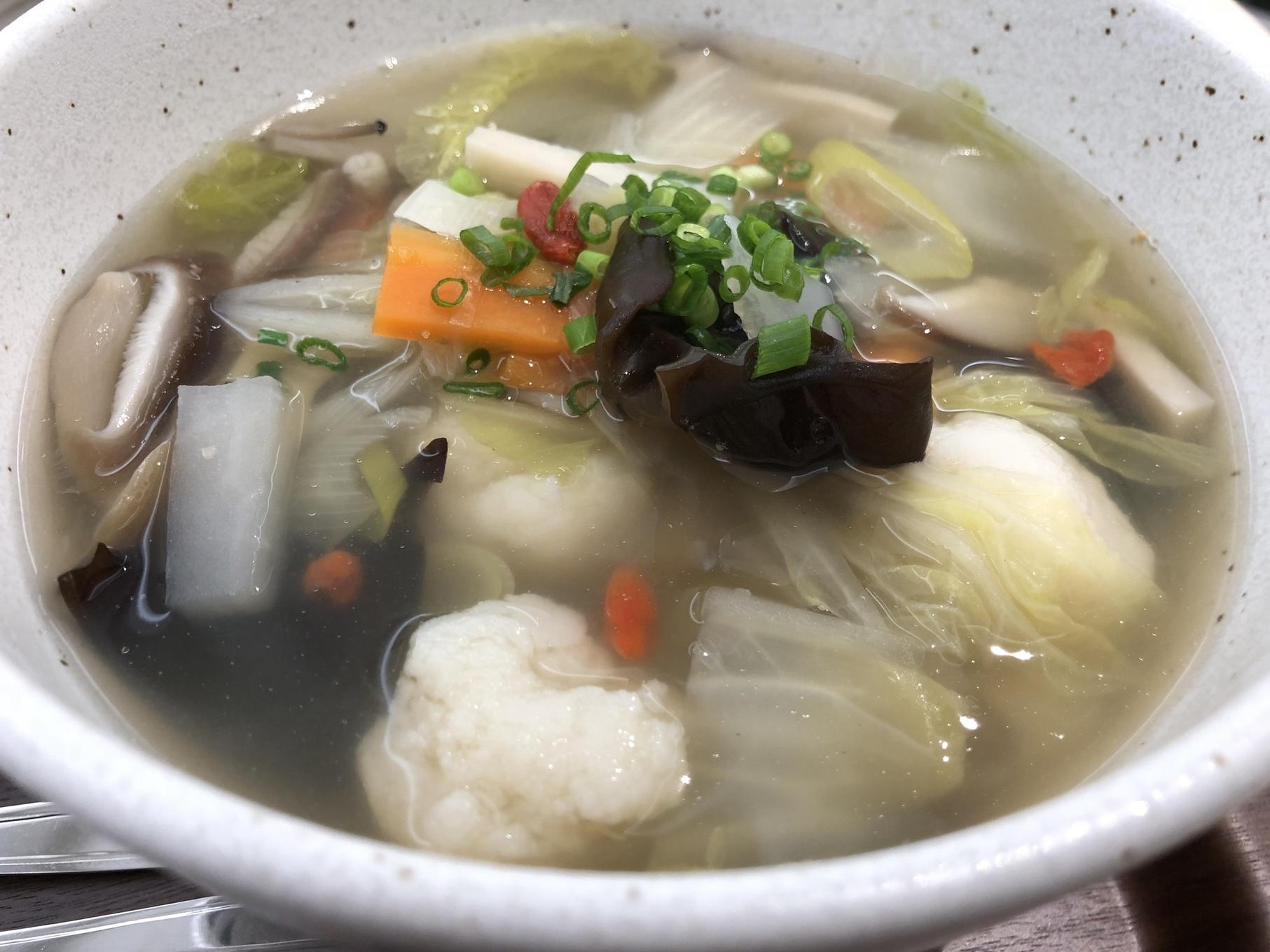 具だくさんのスープ薬膳