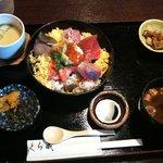 くら蔵 - 海鮮丼