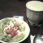東方美人 - サラダと台湾茶