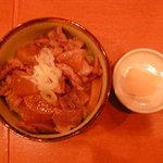 炭火串焼き すぎたま - 牛すじ煮ぶっかけごはん(650円)(2010/12/12)