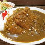 マッケンジーファミリーレストラン - カツカレー 800円