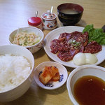 厚真園 - カルビ定食