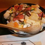 寿司処 六ちゃん - おまかせ丼大盛り1150円