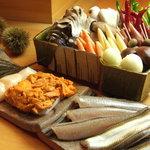 天青 - 鍋前がその日に厳選した旬の食材。熟練の技で揚げた素材の美味しさをぜひ。