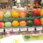 新宿高野 - 果物型の容器に入ったゼリー