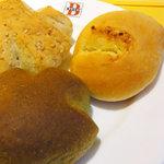 バケット - 食べ放題の自家製パン