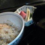 横浜 うかい亭 - ガーリックライス。香ばしくて美味。