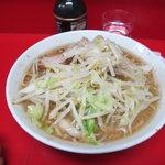 ラーメン二郎 - ラーメン(麺半分)650円
