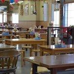 かすが町市場 - テーブル席