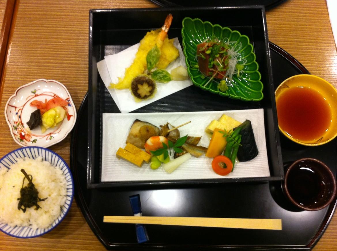 日本料理 山茶花