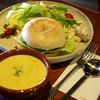 ドマカフェギャラリー - 料理写真:ベーグルサンドとコーンスープ