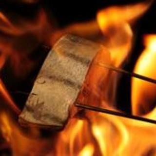 ぎんざ 一二岐 - 料理写真:「鰹の藁焼き」は藁からこだわっています。