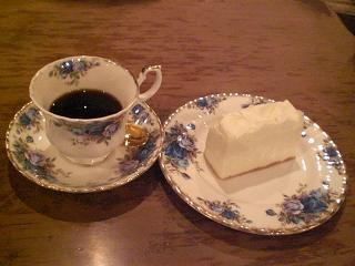 ジョイフル&ベーシック - レアチーズ&コーヒー