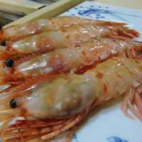 寿司 うち田 - 新鮮な食材を豊富に取り揃えています。