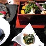 めし屋みづ - 一番人気の花車弁当1280円。早く行かないと売り切れちゃいます。