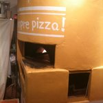 Sempre Pizza - ピザ釜!