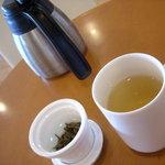 茶語 - ランチにセットの茉莉花茶(ジャスミンチャ)